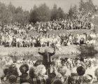 Salaspils Dziedāšanas biedrības 100 gadu jubileja. Koncerts Salaspils Botāniskajā dārzā, 1979.g. 1.sept. Diriģents Haralds Mednis. (No D.Tobijas fotokolekcijas)